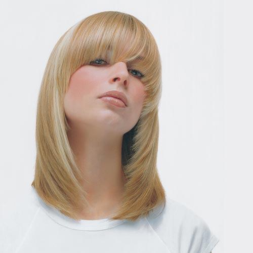 Modelo con producto Framcolor 2001